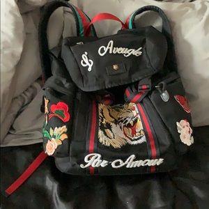like new, gucci backpack 🔥
